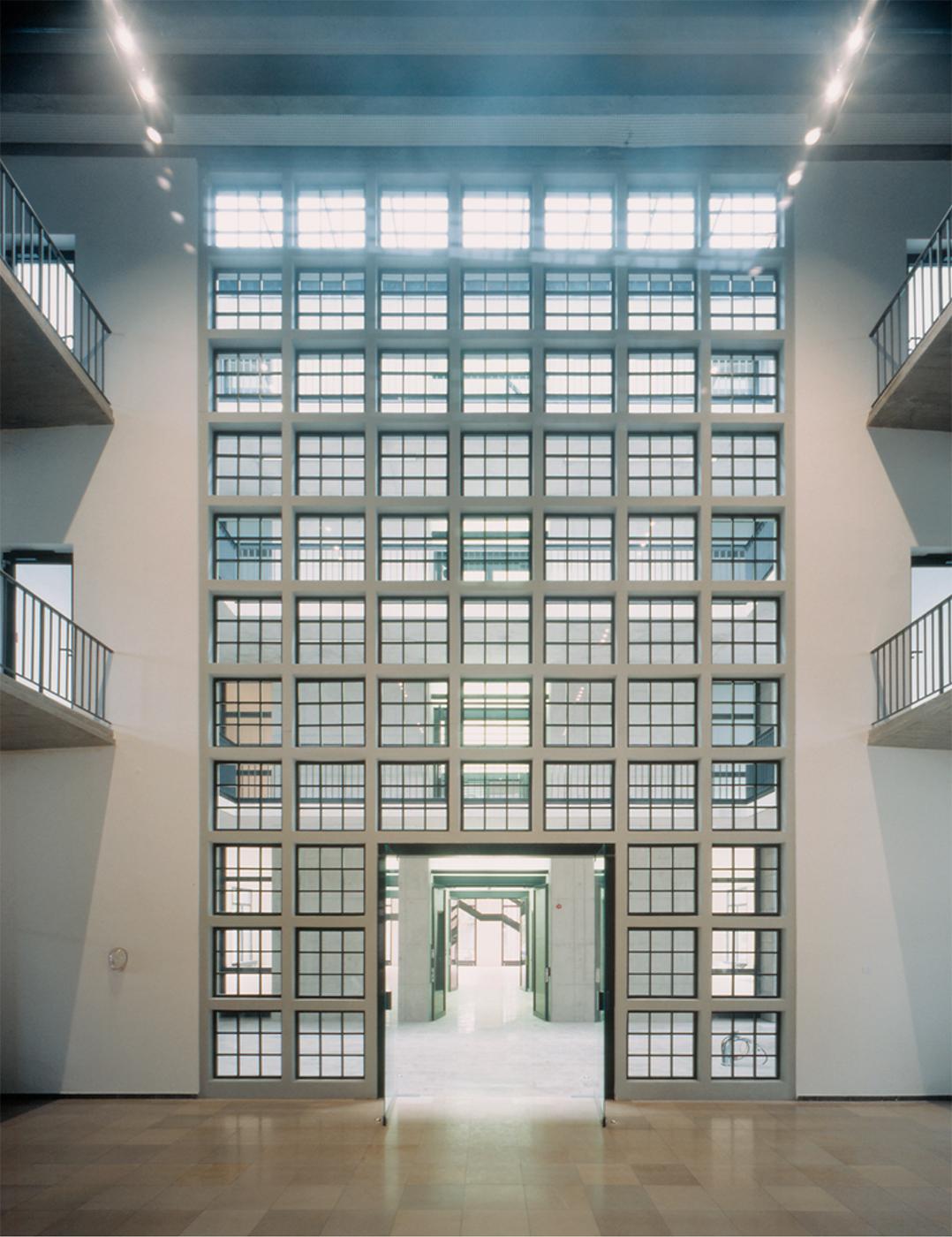 Milchhof Haus für Kultur und Kommerz Innenfassade
